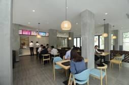 """西安和佛山华远•海蓝城社区为业主打造""""业主餐厅"""",解决下班晚没饭吃的问题"""