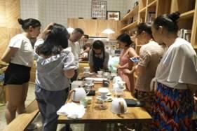 """长沙华远•云玺和华远华时代引进了长沙网红面包店""""仙峰面包"""",业主们除了日常享用来自大自然的本真味道,还可以不定期来到这里,参加烘焙教学、分享会、咖啡沙龙等活动。"""